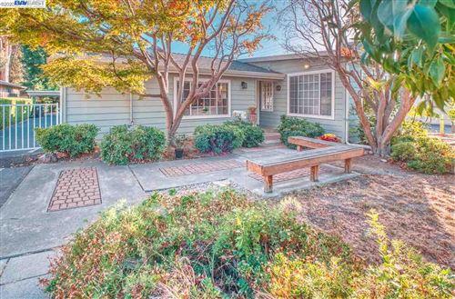 Photo of 4593 James Ave, CASTRO VALLEY, CA 94546 (MLS # 40921045)