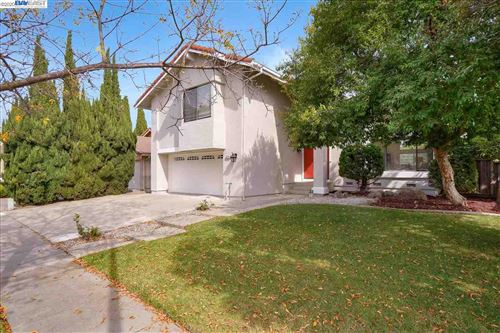 Photo of 33120 Falcon Dr, FREMONT, CA 94555 (MLS # 40925047)