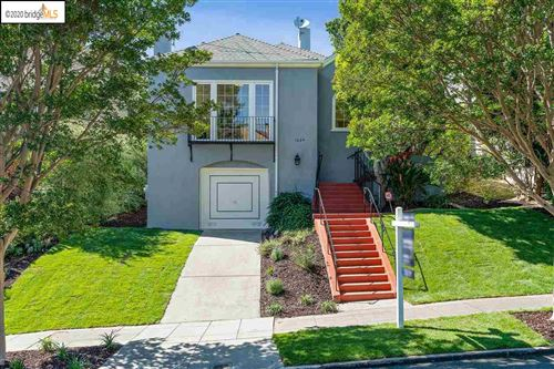 Photo of 1024 Sunnyhills Rd, OAKLAND, CA 94610 (MLS # 40906048)