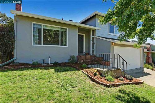 Photo of 3517 Northwood Dr, CASTRO VALLEY, CA 94546 (MLS # 40922056)
