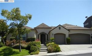 Photo of 371 McAllister Dr, BENICIA, CA 94510 (MLS # 40879058)