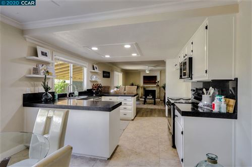Tiny photo for 5 Encina Pl, PITTSBURG, CA 94595 (MLS # 40930060)
