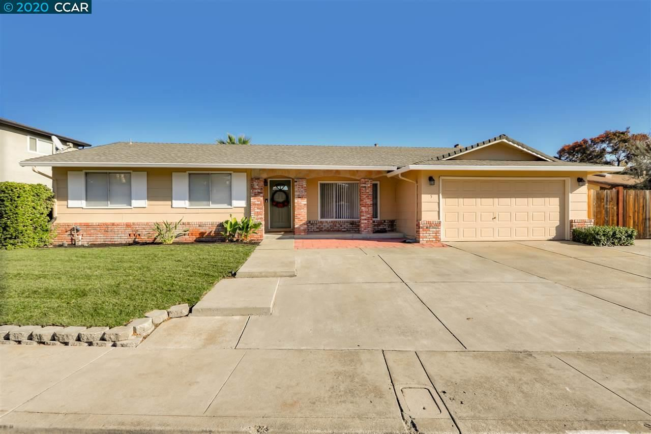 Photo for 5 Encina Pl, PITTSBURG, CA 94595 (MLS # 40930060)