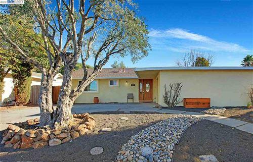 Photo of 4875 Primrose Ln, LIVERMORE, CA 94551 (MLS # 40935062)
