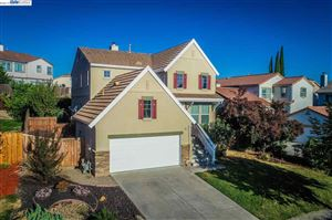 Photo of 278 W Country Club Dr, BRENTWOOD, CA 94513 (MLS # 40867064)