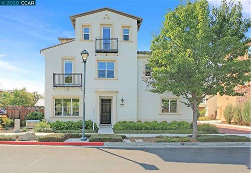 Photo of 1377 Bayberry View Ln, SAN RAMON, CA 94582 (MLS # 40923064)