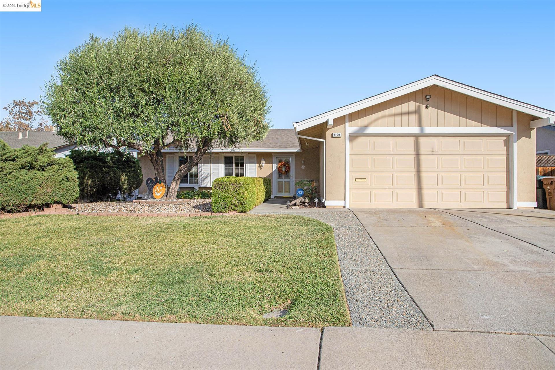 Photo of 3109 Jackson Pl, Antioch, CA 94509 (MLS # 40971064)