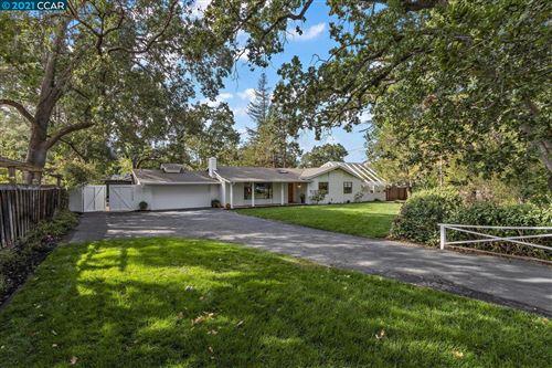 Photo of 161 Kingsdale Dr, Walnut Creek, CA 94596 (MLS # 40970067)