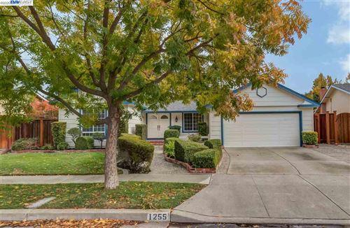 Photo of 1255 GREENWOOD ROAD, PLEASANTON, CA 94566 (MLS # 40930068)