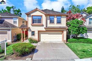 Photo of 423 Orchard View Ave, MARTINEZ, CA 94553 (MLS # 40869069)