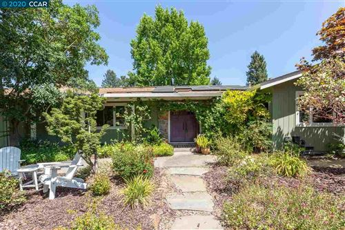 Photo of 3 Roberts Ct, MORAGA, CA 94556 (MLS # 40912069)