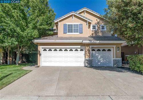 Photo of 504 Blackstone Ct, DANVILLE, CA 94506 (MLS # 40959069)