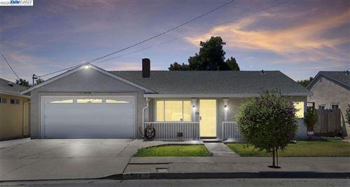 Photo of 544 Sequoia Rd, HAYWARD, CA 94541 (MLS # 40912070)