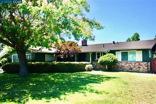 Photo of 913 Bancroft Rd., WALNUT CREEK, CA 94598-1002 (MLS # 40913070)