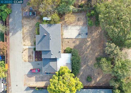 Photo of 4 Hill Ln, PLEASANT HILL, CA 94523 (MLS # 40929071)