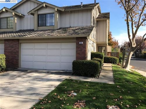 Photo of 3690 Dowitcher Ter, FREMONT, CA 94555 (MLS # 40922075)