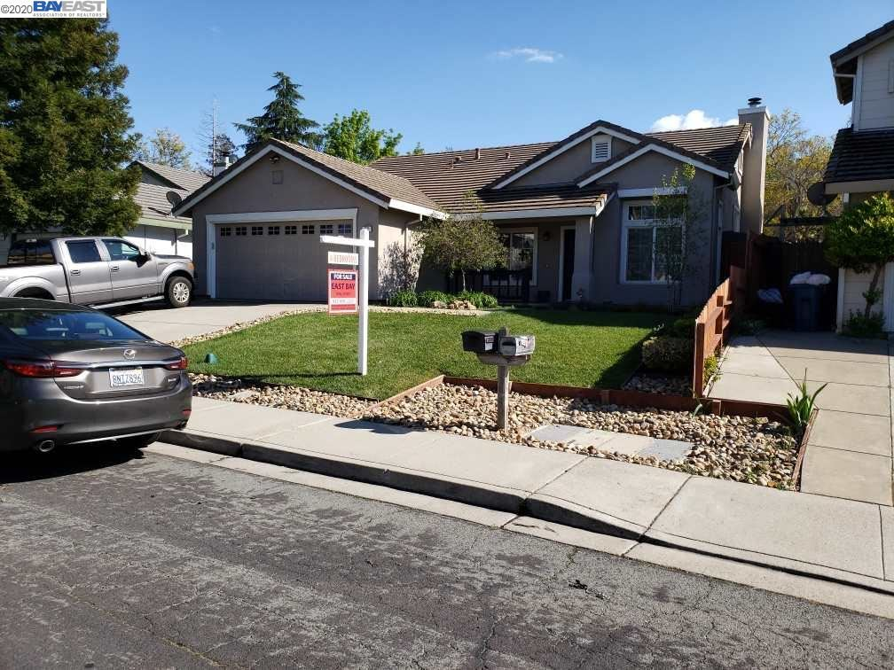 Photo for 1021 Stonecrest Dr, ANTIOCH, CA 94531 (MLS # 40901076)