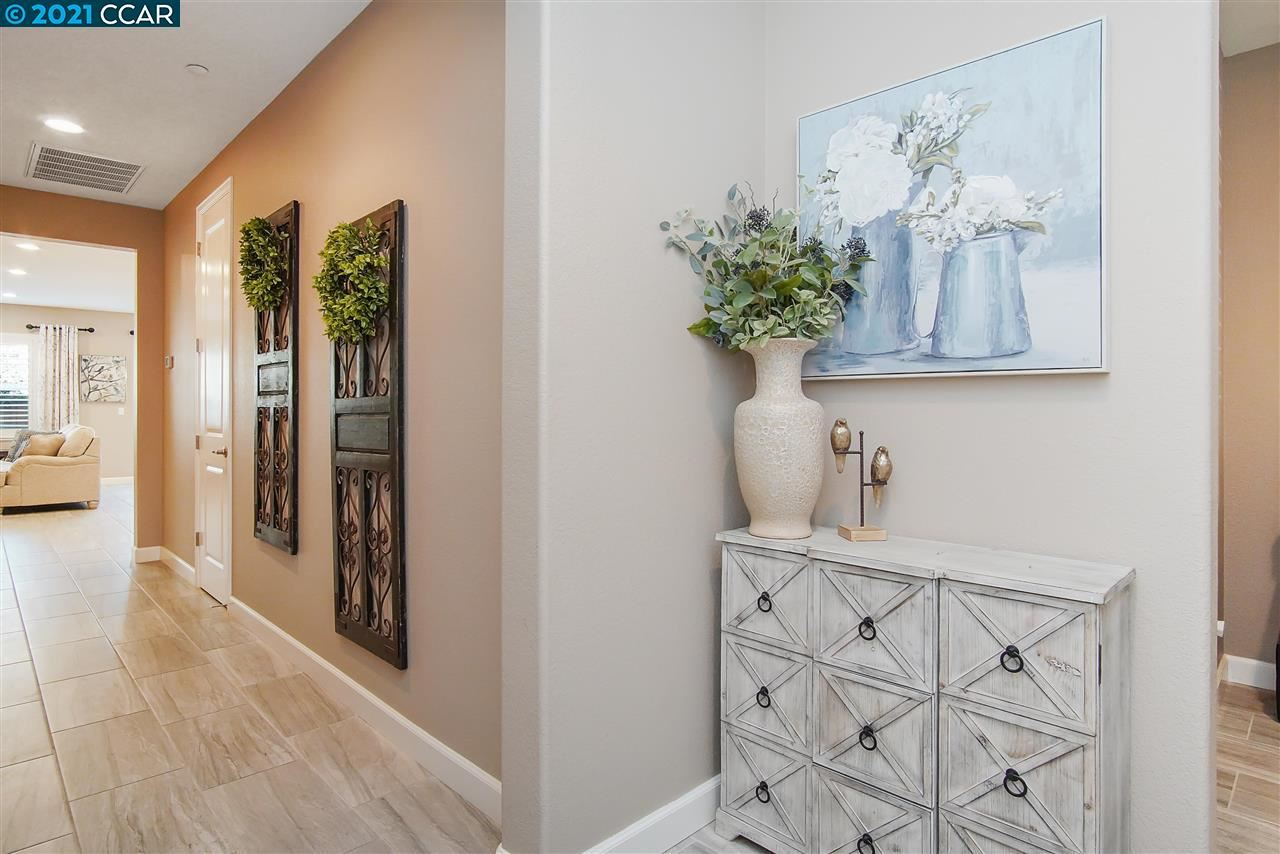 Photo of 482 Stratford Ct, BRENTWOOD, CA 94513 (MLS # 40961076)