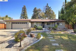 Photo of 9450 Alcosta Blvd, SAN RAMON, CA 94583 (MLS # 40886077)