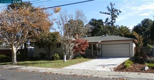 Photo of 3824 Maplewood Dr, CONCORD, CA 94519 (MLS # 40930079)