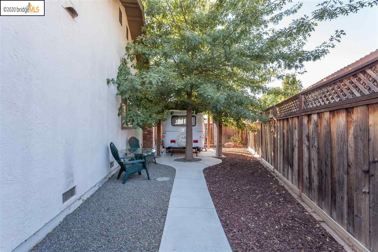 Photo of 602 Pippo Ave, BRENTWOOD, CA 94513 (MLS # 40926080)