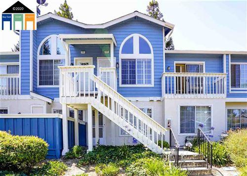 Photo of 212 Glenwood, HERCULES, CA 94547 (MLS # 40910081)
