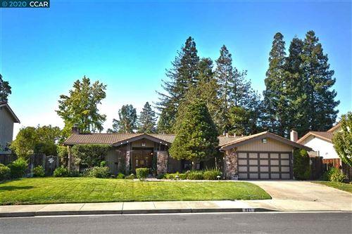 Photo of 621 Wimbledon Rd, WALNUT CREEK, CA 94598 (MLS # 40927081)
