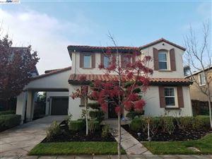 Photo of 199 N Alta Dena St, MOUNTAIN HOUSE, CA 95391 (MLS # 40848082)