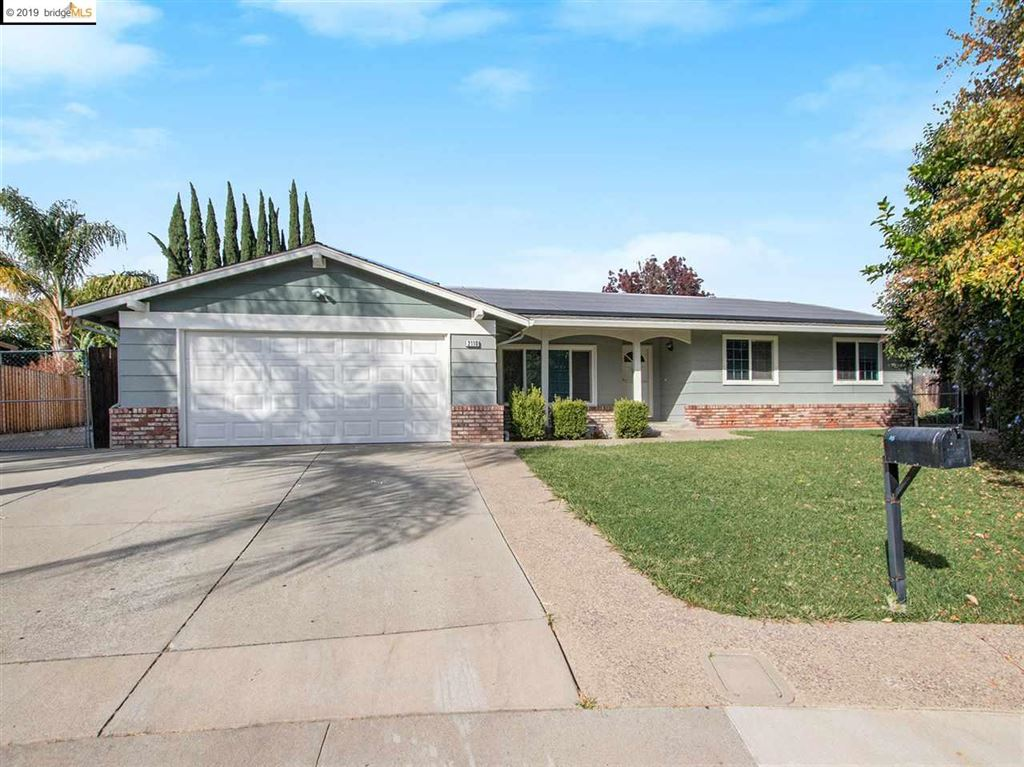 Photo for 2110 Fuente Ct, ANTIOCH, CA 94509 (MLS # 40889082)