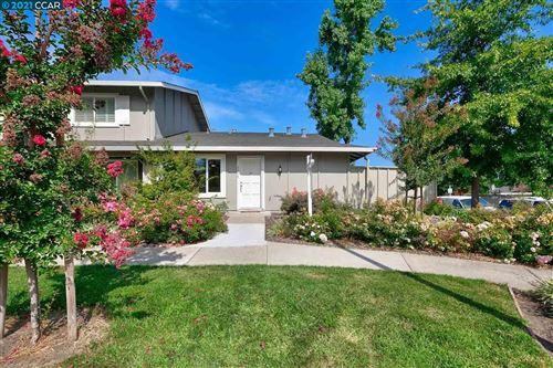 Photo of 2949 Fountainhead Dr, SAN RAMON, CA 94583 (MLS # 40966083)
