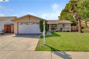 Photo of 2548 Hamilton Ave, CONCORD, CA 94519 (MLS # 40886086)