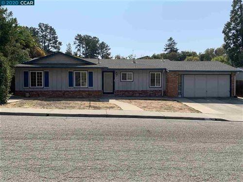 Photo of 2698 Wright Ave, PINOLE, CA 94564 (MLS # 40923089)