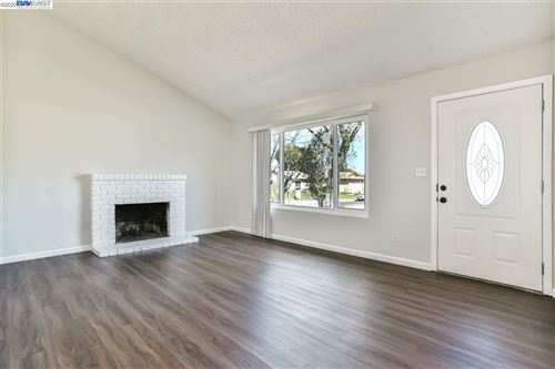Tiny photo for 2233 Hamlin Dr, ANTIOCH, CA 94509 (MLS # 40901090)