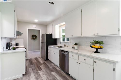 Photo of 2921 Brookdale Ct, CONCORD, CA 94518 (MLS # 40945091)