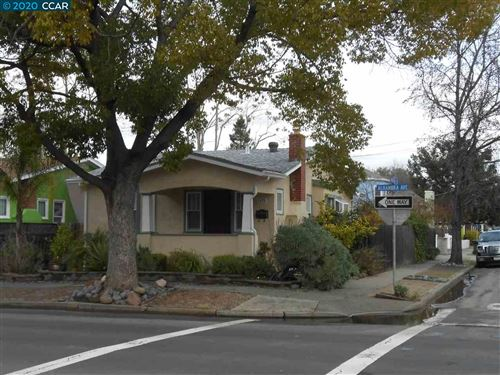 Photo of 1635 Alhambra Ave, MARTINEZ, CA 94553 (MLS # 40910092)