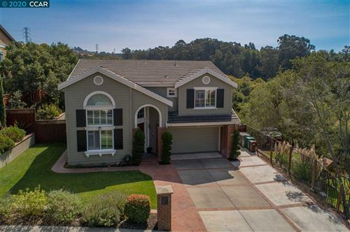 Photo of 22559 Canyon Terrace Dr, CASTRO VALLEY, CA 94552 (MLS # 40922092)