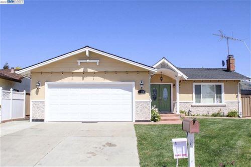 Photo of 662 Kirk Glen Dr, SAN JOSE, CA 95133 (MLS # 40944092)