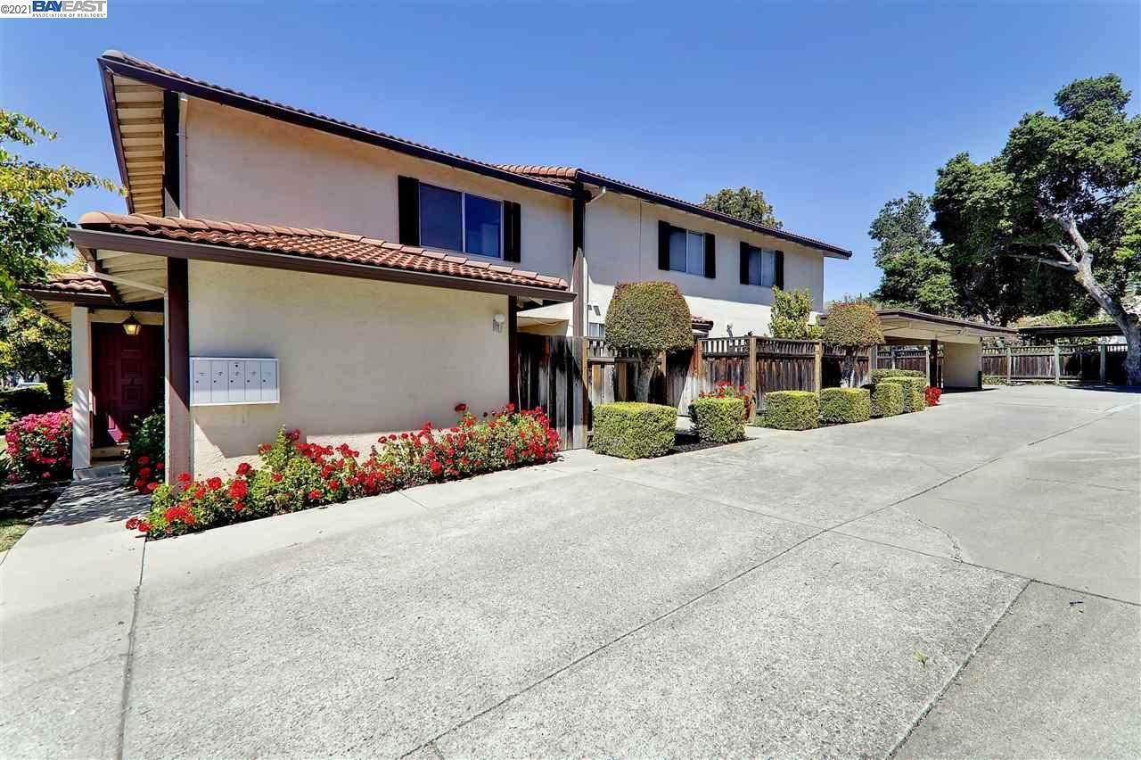 Photo of 43222 Starr St, FREMONT, CA 94539 (MLS # 40948094)