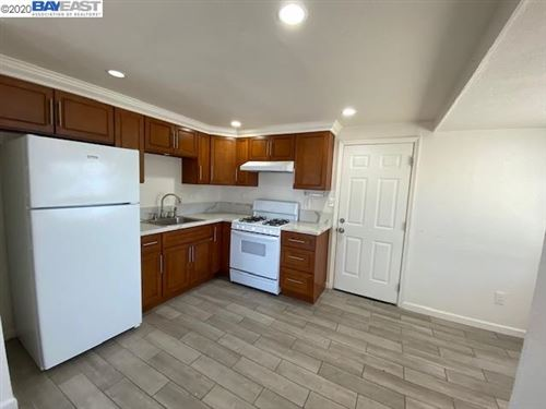 Photo of 186 Madoline St #A, PITTSBURG, CA 94565 (MLS # 40906095)