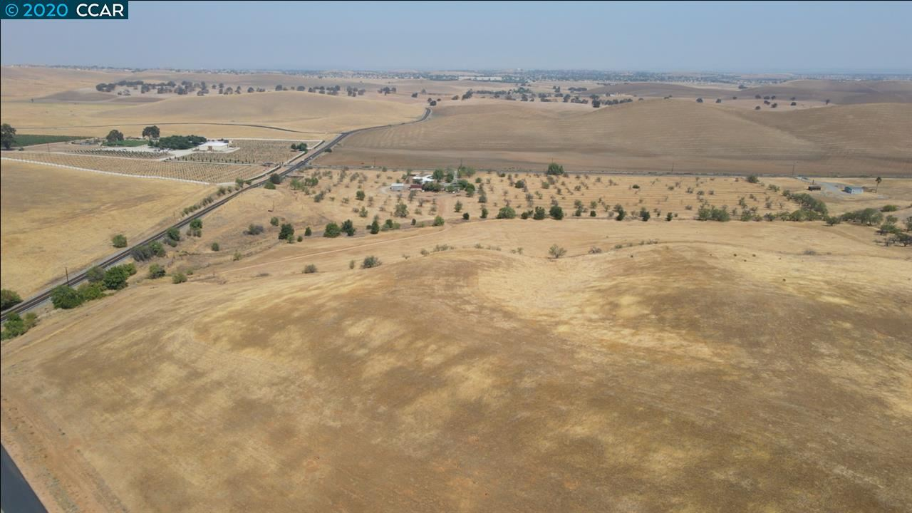 Photo of 100 Harris Ranch Rd - Lot B, BRENTWOOD, CA 94513 (MLS # 40921098)