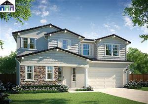 Photo of 17646 Whisper Lane, CASTRO VALLEY, CA 94546 (MLS # 40878100)