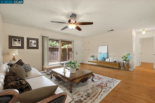 Photo of 5456 Roundtree Dr #F, CONCORD, CA 94521 (MLS # 40912103)
