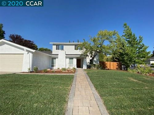 Photo of 300 Century Cir, DANVILLE, CA 94526 (MLS # 40913104)