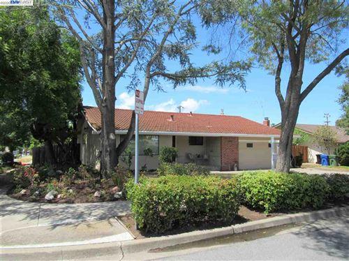 Photo of 42071 Camino Santa Barbara, FREMONT, CA 94539 (MLS # 40905105)