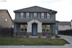 Photo of 4885 Snowy Egret Way, OAKLEY, CA 94561 (MLS # 40810107)
