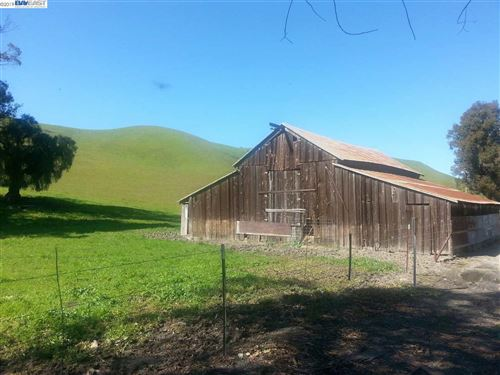 Photo of 5847 Collier Canyon Road, LIVERMORE, CA 94550 (MLS # 40873107)