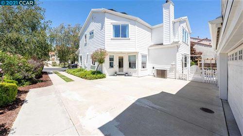 Photo of 617 Cobblestone Dr, SAN RAMON, CA 94583 (MLS # 40960110)