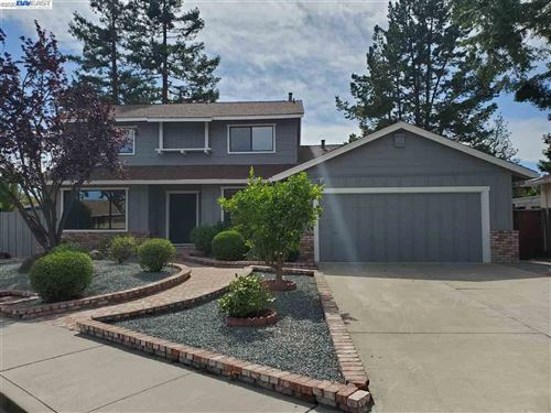 Photo of 2910 Yorkshire Ct, PLEASANTON, CA 94588 (MLS # 40907112)