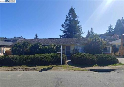 Photo of 3253 Keith Ave, CASTRO VALLEY, CA 94546 (MLS # 40939113)