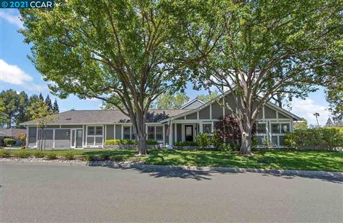 Photo of 588 Silver Lake Drive, DANVILLE, CA 94526 (MLS # 40948113)
